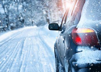 Sól drogowa - poślizg samochodu